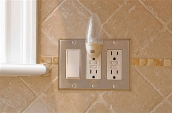 electrical-outlets-insulation